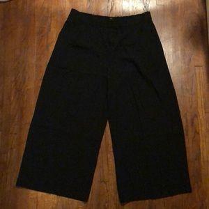 J crew black wide leg short pants! Hip! modern!